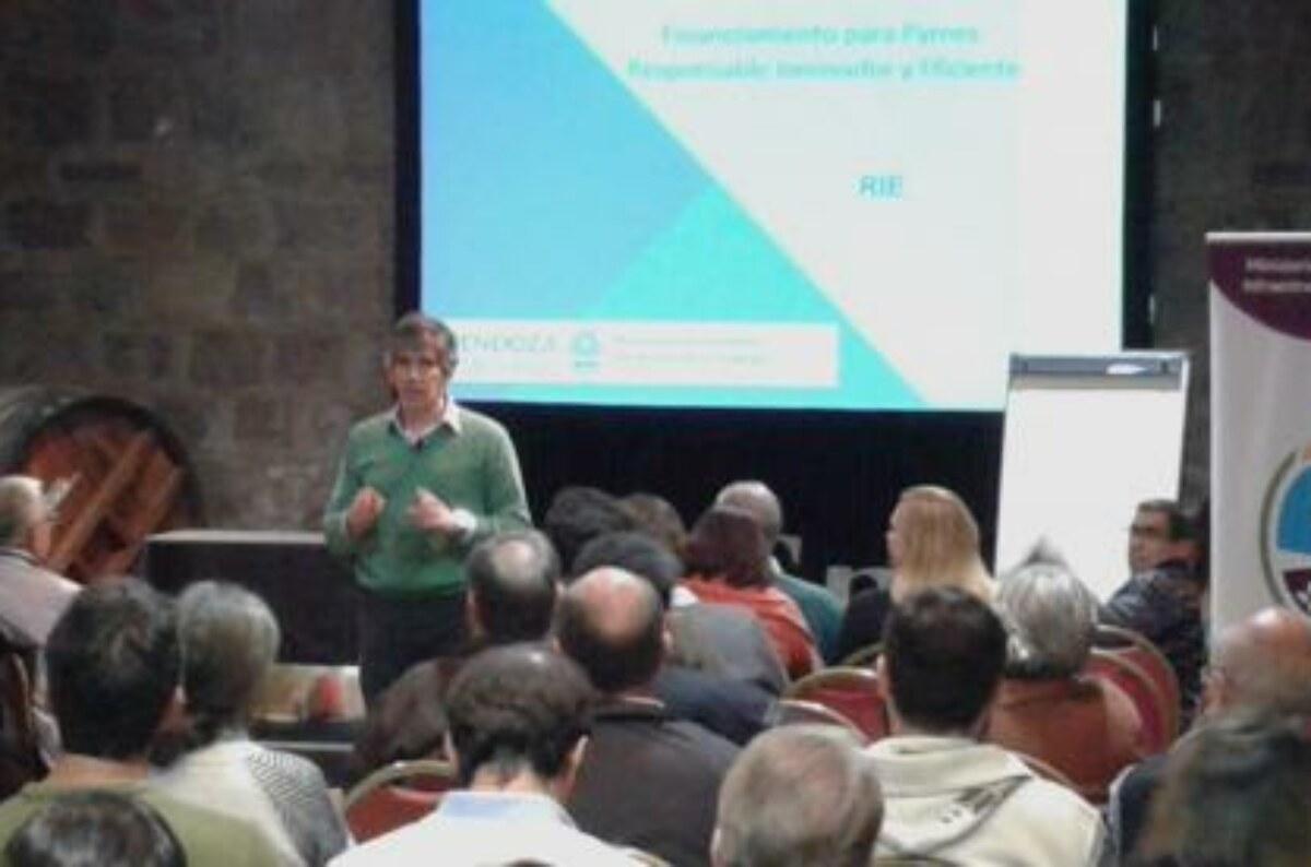 Brindan asesoramiento para ingresar proyectos en el programa nacional Experto Pyme